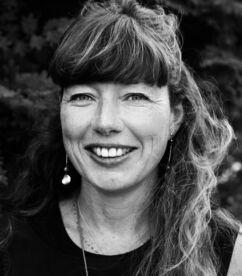 Helen Oconnell Headshot 600